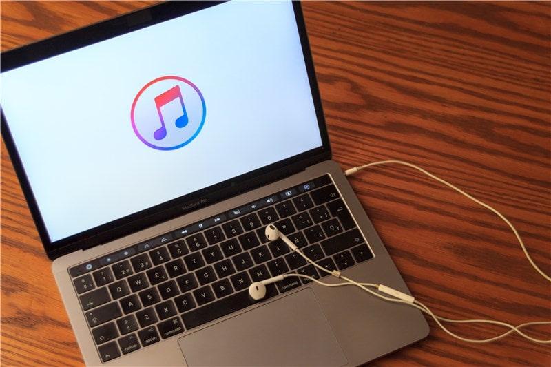 Image ordinateur Apple Music Onatest
