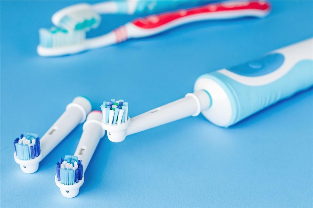 Brosse à dents vs brosse à dents éléctrique