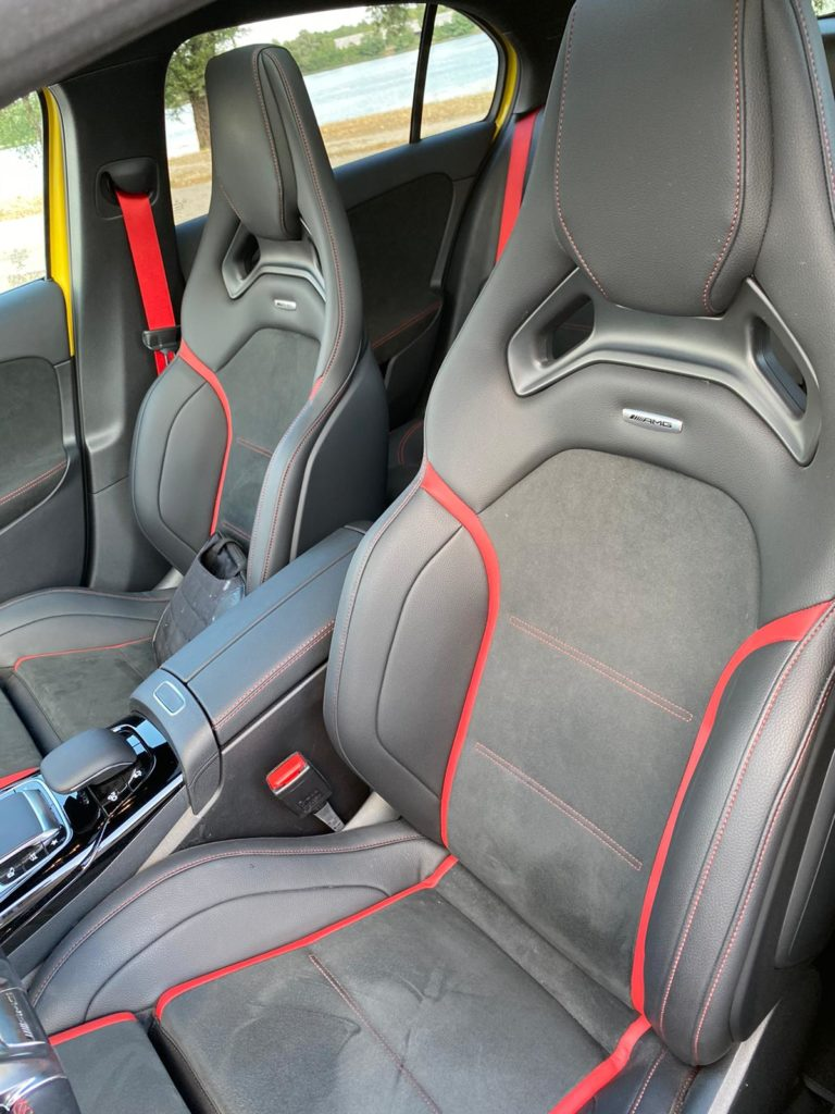 Mercedes-AMG-A35-sièges sport